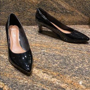 Clarks black soft cushion heels